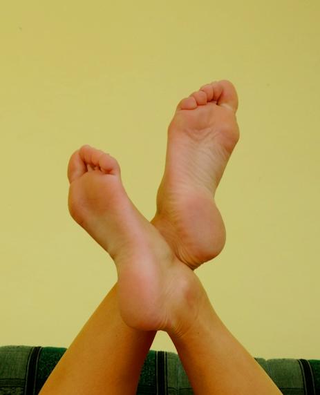 Stinky feet fetish - Mistress June of EliteDomme.com
